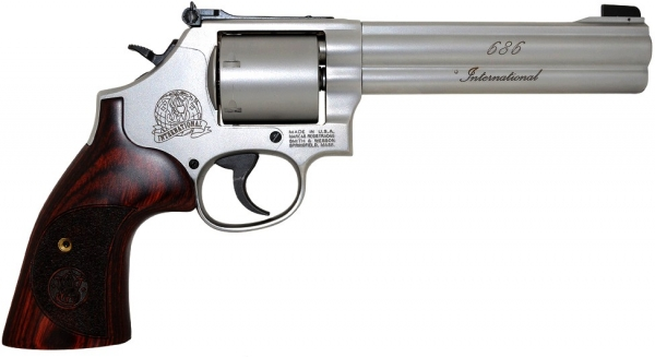 Revolver SMITH & WESSON 686 International 6